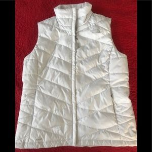 The north face Women's vest insulated white size M